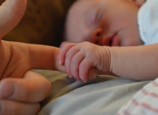 La colique chez le bébé: quels traitements?