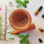 Les huiles essentielles pendant la grossesse : bonne idée ?