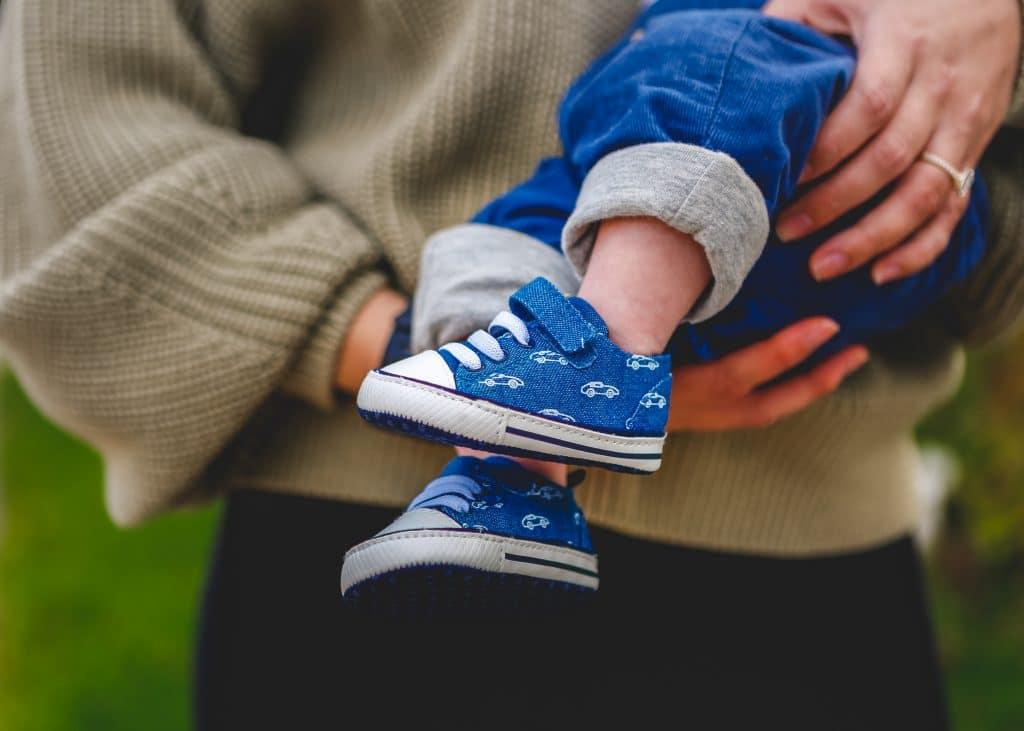 Réutiliser les chaussures de ses ainés : une bonne idée?