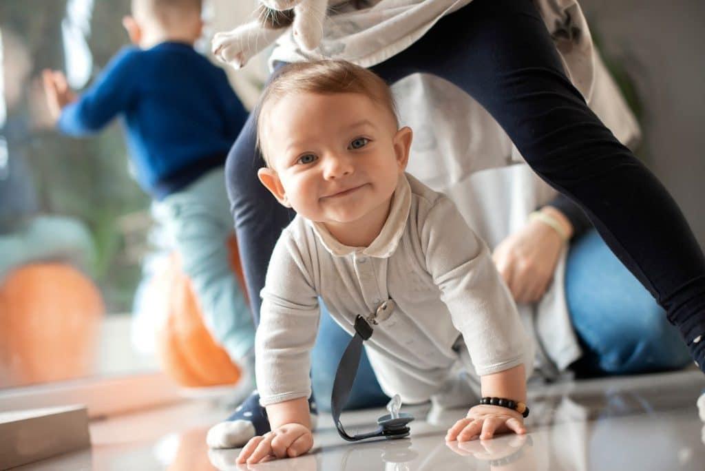 Bébé ne parle pas à 15 mois : faut-il s'inquiéter ?