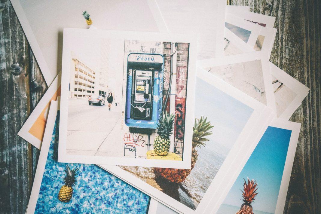 Carte postale en ligne : des souvenirs de vacances originaux !