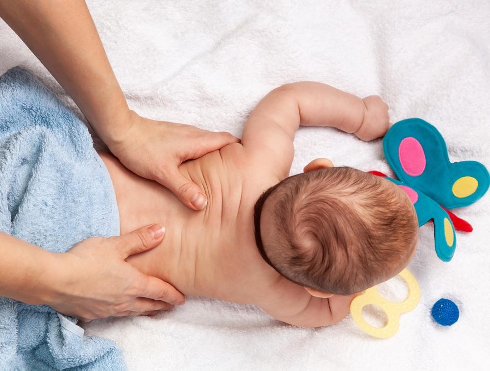 Pourquoi aller voir un ostéopathe pour bébé ?