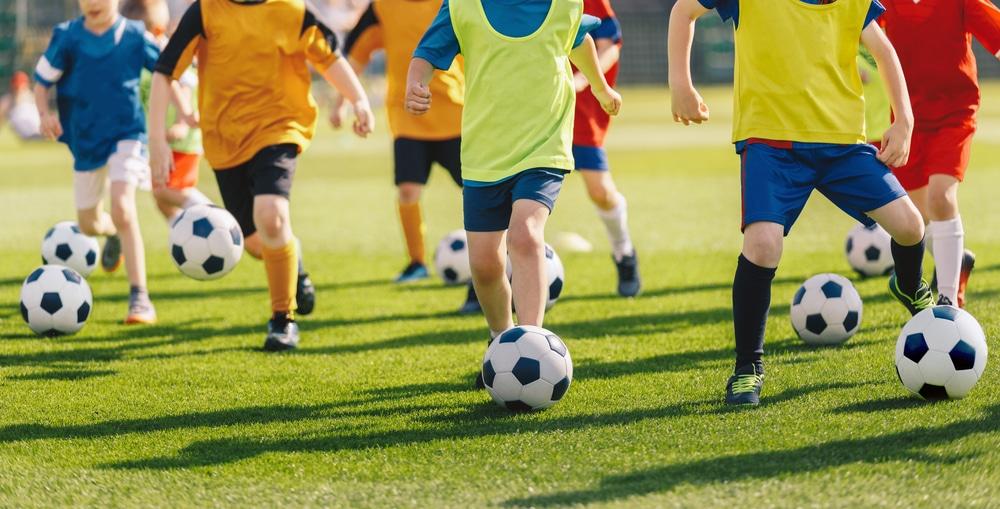 À quel âge mon enfant peut-il commencer le foot ?