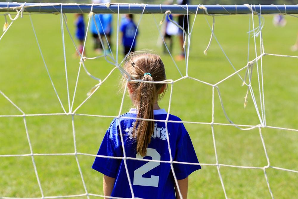 Les avantages de choisir un sport complet comme le foot pour votre enfant