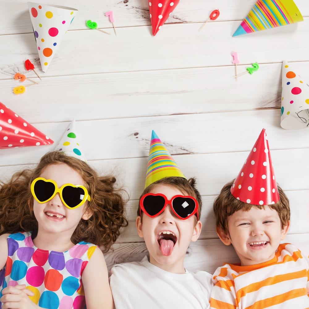 Organiser l'anniversaire de son enfant : idées déco pour petit pirate et fan de paillettes
